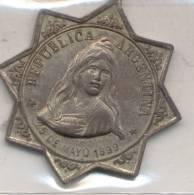MEDALLA DE LOS AÑOS  PREVIOS AL CENTENARIO 25 DE MAYO DEL AÑO 1899 - EL PUEBLO CONMEMORA EL 25 DE MAYO DE 1810 - - Gewerbliche