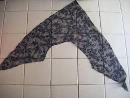 Dentelle Noire  Chale 85 Cm De Cote- - Laces & Cloth
