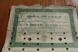 SNCF Compagnie Des Chemins De Fer De L'Est En. 5 % En 1933 Titre Action Perforées Perforations - Chemin De Fer & Tramway