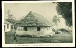 986 WALLIS ET FUTUNA / Une Case Indigène Servant De Grand Séminaire / - Wallis Et Futuna