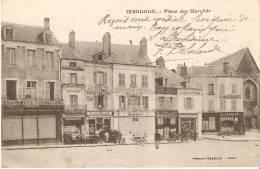 """Issoudun : Place Du Marché """" Buvette F.Jourlas , Pharmacie F. Moulin , Café G. Veillon , Chaussures C.Courier - Issoudun"""