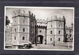 37524   Regno  Unito, Windsor  Castle -  Henry  VIII Gateway,  NV - Windsor Castle