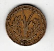 Pièce - Banque Centrale Des Etats De L´Afrique De L´Ouest - 10 Francs - 1967 - Monnaies