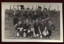 Cpa Carte Photo Du 22  Plouagat équipe De Football école St Thérèse En 1944  ---  2LIO9   ..  Chatelaudren - Châtelaudren