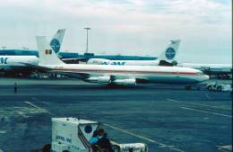 Diapositiva/slide  BOEING 707  ROMAVIA  YR-ABB ANCORAGE 1990 - Diapositives (slides)