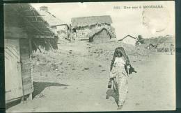 Une Rue à Monbasa  ( Abimée Bord Du Haut )   Uq89 - Kenya