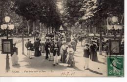 CPA - VICHY - VUE PRISE DANS LE PARC - L. L. - 78 - Vichy