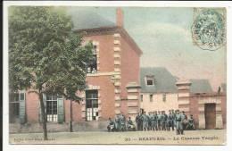 BEAUVAIS , La Caserne Taupin , 1906 , CPA ANIMEE - Beauvais