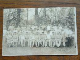 SOLDIERS / SOLDATEN Anno 1915 Neuruppin / Gewonde Soldaten ( CP Photo +/- 9 X 14 Cm. - Zie Détails ) !! - Guerra, Militari