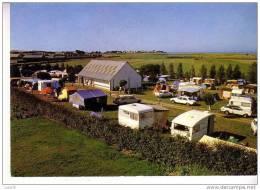 "BILLIERS - Camping  "" LA GUERANDIERE ""    -  - Véhicules  Anciens - France"