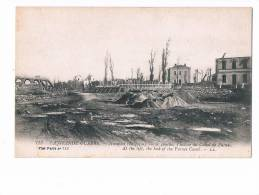 12593 Nieuwpoort - Nieuport  La Grande Guerre A Gauche L'eclise Du Canal De Furnes - Nieuwpoort