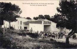 Camp Des Garrigues - Les Gdes Manoeuvres - Le Café Du Champ De Tir (53883) - Frankreich