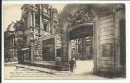 PARIS , Rue Pavé , Hôtel Lamoignon , Porte D´ Entrée , CPA ANIMEE - Francia