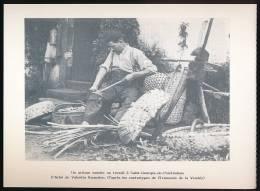 SAINT-GEORGES-DE-POINTINDOUX (85-Vendée) : Un Artisant Vannier Ua Travail. Document Papier. - Other Municipalities