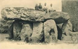 Le Dolmen , Vue Latérale Série B. P. N° 5   -  ( 28   L. L.  ( Lévy Frères, éditeurs à Paris ) )     (3225) - Dolmen & Menhirs