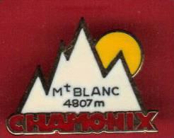 27780-pin's Ski.alpinisme.Mont Blanc.chamonix.. - Cities