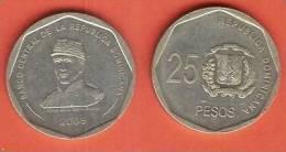 DOMINICAN REP 25 PESOS 2008 XF BUST OF GENERAL PUPERON - Dominicaanse Republiek