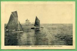 17 ILE D'OLERON - Bateaux Naviguant Au Large Du Fort Chapus - Ile D'Oléron