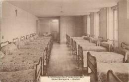 Réf : B.E-13-291 : Le Mans  Clinique Des Franciscaines Dortoir - Le Mans