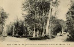 78 --CERNAY- La Grille D´Honneur De L´Abbaye Et La Route D´Auffarais - Cernay-la-Ville