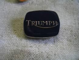 Pin's Embleme Des Automobiles TRIUMPF - Pins