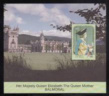 St. Vincent Grenadines MNH Scott #747 Souvenir Sheet $5 Queen Mother In Cap And Gown, Balmoral - 90th Birthday - St.Vincent & Grenadines