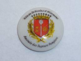 Pin's SAPEURS POMPIERS DE SAINT NICOLAS D ALIERMONT  03 - Feuerwehr
