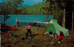 Canada. - Quebec - C Amping Au Nord De TROIS-RIVIERES - CHOW TIME AT CAMP - BON APPETIT. (voir Scan)