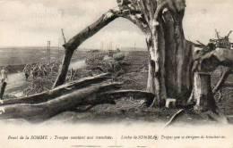 WW1  - LEGENDE EN PORTUGAIS -  TROUPES MONTANT AU TRANCHEES - Guerra 1914-18