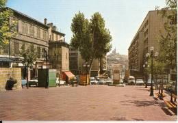 MARSEILLE: Place De Lenche, Au Loin Notre Dame De La Garde - Marseilles
