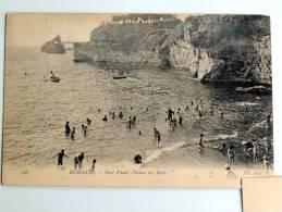 Carte Postale Ancienne : BIARRITZ : Port Vieux , L'heure Des Bains , Animé - Biarritz