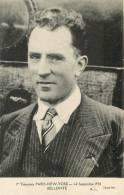 AVIATEUR  BELLONTE  EN BUSTE 1ere TRAVERSEE PARIS NEW-YORK  1930 - Piloten