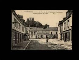 41 - MONTOIRE-SUR-LE-LOIR - La Place Du Marché Aux Porcs Et Le Château - 30 - Montoire-sur-le-Loir