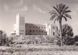 21904 Editions Bertrand Marrakech - ERFOUD Hotel Gite Etape -cpm 145x100mm - - Maroc