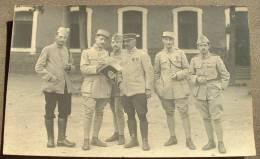 Carte Photo Militaire - Officier - N°114 Sur Le Kepi - Personaggi