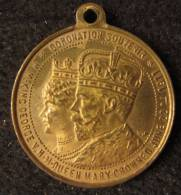 M01441 Coronation Souvenir 1911 George V Queen Mary Crowned - United Kingdom