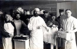 Camp De Prisonniers D'Ohrdruf 1ere Guerre Mondiale 1914-1918 Medecins Pendant Un Acte Chirurgical - Guerre 1914-18