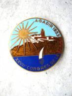 INSIGNE EMAILLE DU XXVIIe Congrés De La F.I.A.V. AGADIR 1953 DRAGO ROMAINVILLE ETAT EXCELLENT - Militari