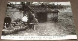 La Vie Sur Le Front - Le Salon De Coiffure - Guerre 1914-18