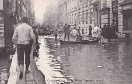 PARIS/VIIe/INONDATIONS/La Grande Crue De La Seine (janvier 1910) Inondation Du Bas De La Rue De Bourgogne/ Réf:C1150 - Inondations De 1910
