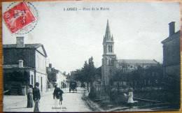 Cpa AMBES 33 Place De La Mairie - France