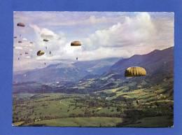 Militaria C - Largage Parachutiste - (région Pau Probablement) - Armée - Para - Parachute - Manoeuvres