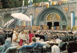 65 - Lourdes - La Procession Du Saint-Sacrement - Lourdes