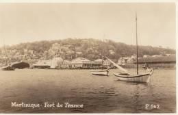 MARTINIQUE FORT De FRANCE CPA ( Real PHOTO ) Bord De MER Quai Bâteaux Un Coin De La VILLE - Fort De France