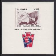 Philippines MNH Scott #1585 Souvenir Sheet 3.20p Cannon, Flag - 40th Bataan Day - Philippines