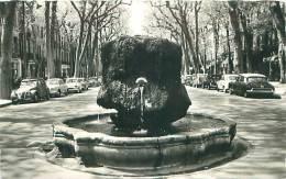 13 - AIX-en-PROVENCE - Fontaine Thermale Sur Le Cours Mirabeau (Ryner, 2012) - Aix En Provence