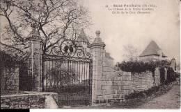 SAINT-PORCHAIRE: Le Château De La Roche-Courbon. Grille De La Cour D'Honneur - France