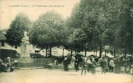 01 PONT-de-VAUX  La Promenade  - Jour De Marché - Pont-de-Vaux