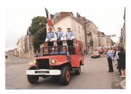 Laval   Défilé Du 14 Juillet 1991  Pompiers   Porte Drapeau Adjudant Gobe Pierrick - Sin Clasificación