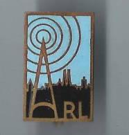 Insigne à épingle /ARL/ Station De Radio ?/ Vers 1950 ?   D299 - Insegne